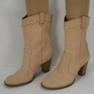 BORN NUBUCK LEATHER PERFORATED LOOK BOOTS 10 M